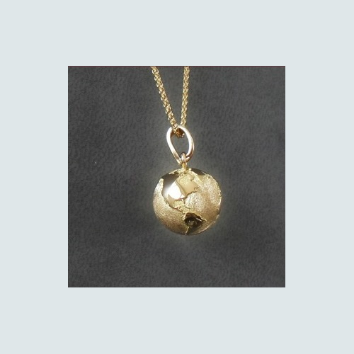 Pendentif The World made in France