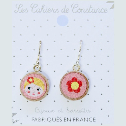 Petites boucles pendantes Matriochka rose origine France